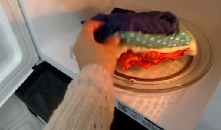 Faça isso para secar a roupa rapidamente e nunca mais use a parte de trás da geladeira