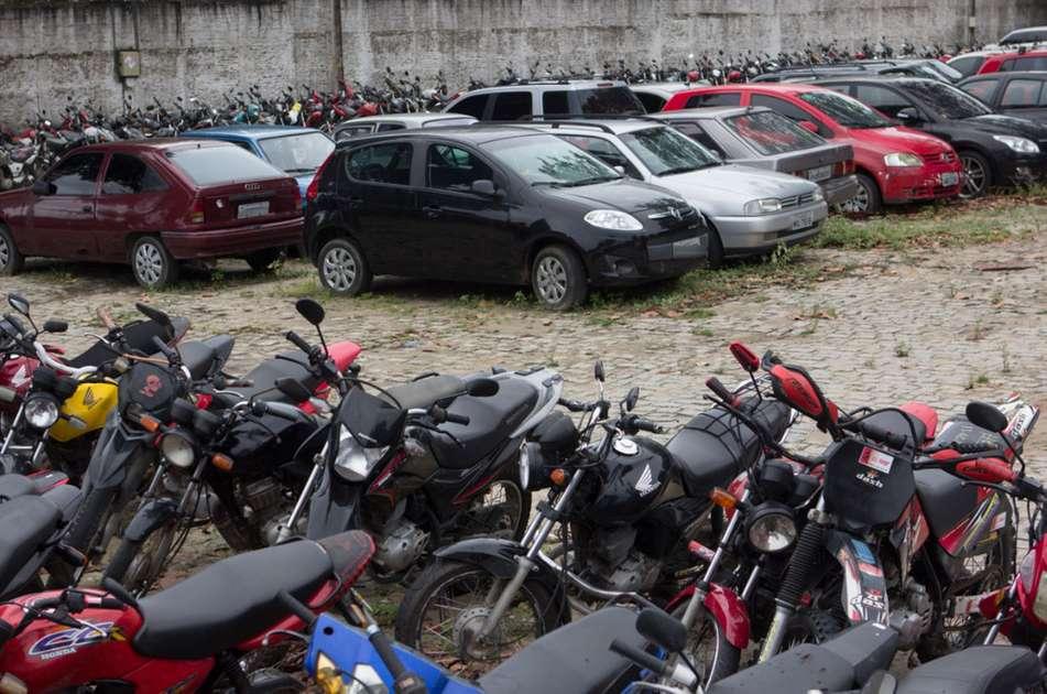 Detran realiza Leilão de 3 mil carros e motos